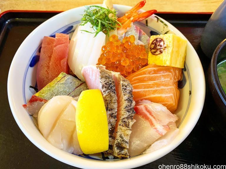 マルトモ水産海鮮丼