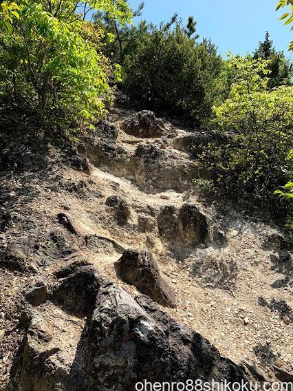 嶽山登山道