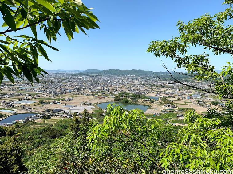 嶽山から見た屋島方面