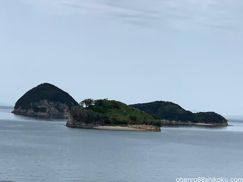 絹島と丸亀島