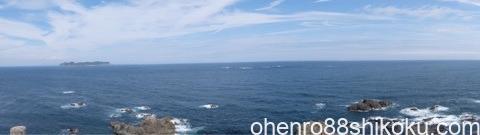 蒲生田岬の灯台からの眺め