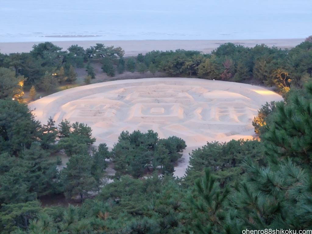 観音寺の銭形砂絵