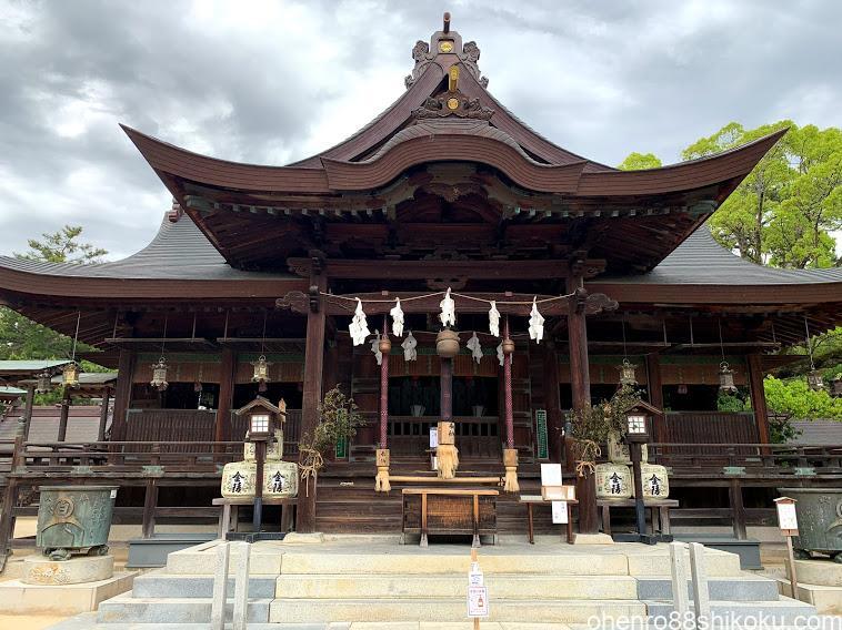 白鳥神社拝殿