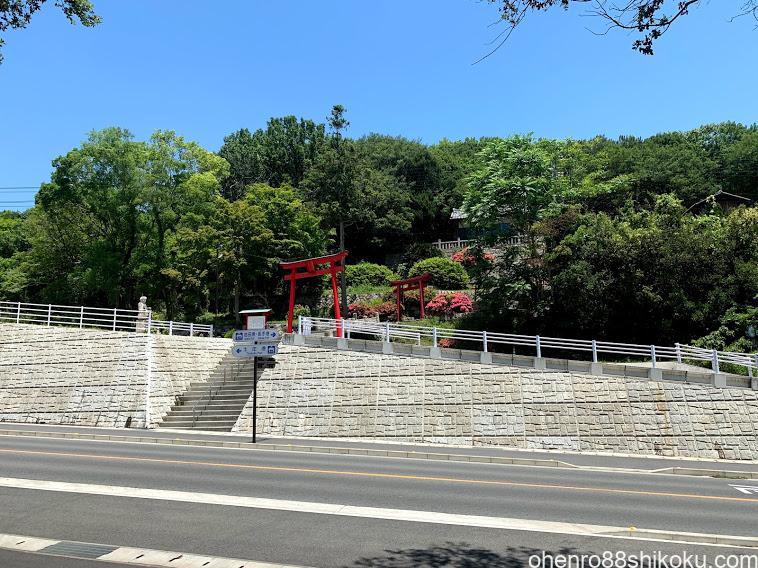 與九郎稲荷神社