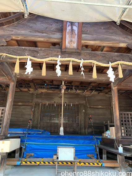 内海八幡神社拝殿