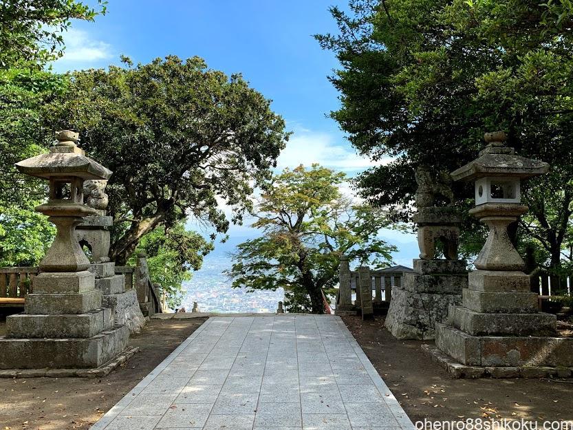 高屋神社境内からの景色