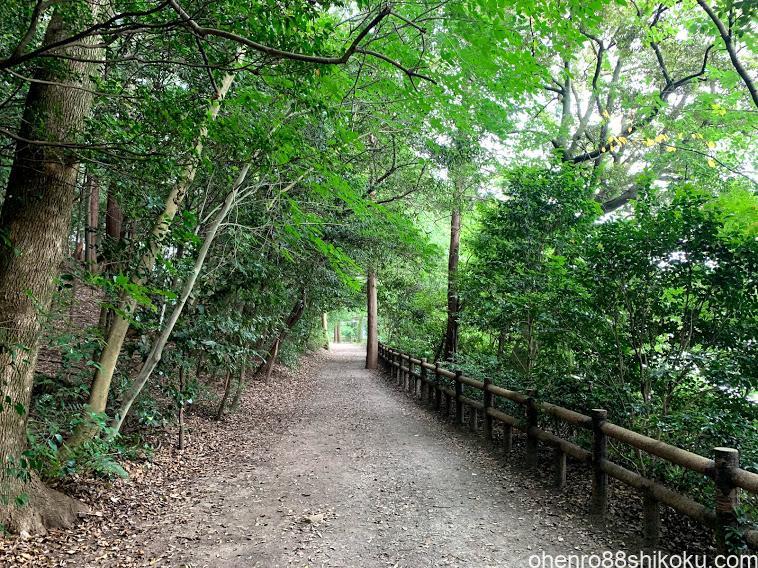 亀鶴公園遊歩道