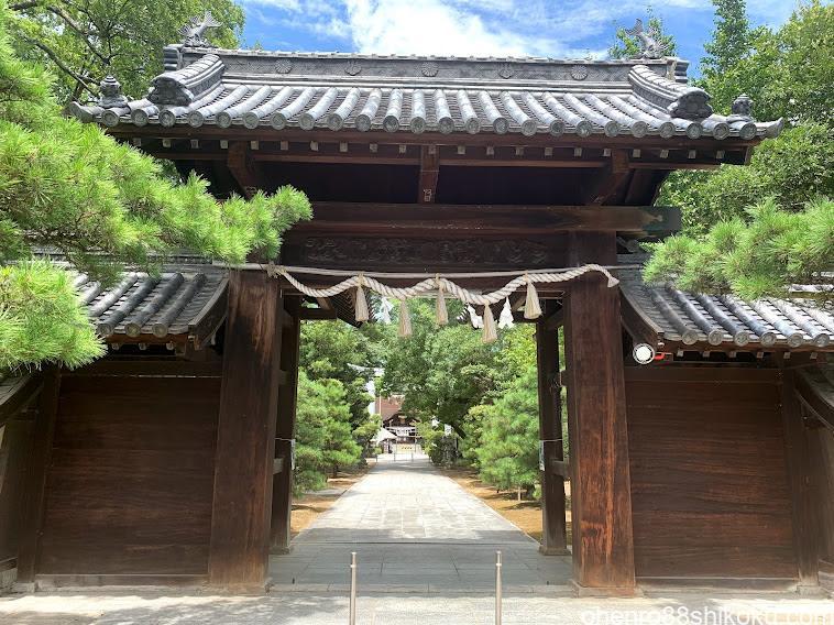 田村神社随神門